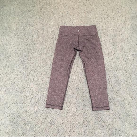 lululemon athletica Pants - Lululemon size 6 Capri